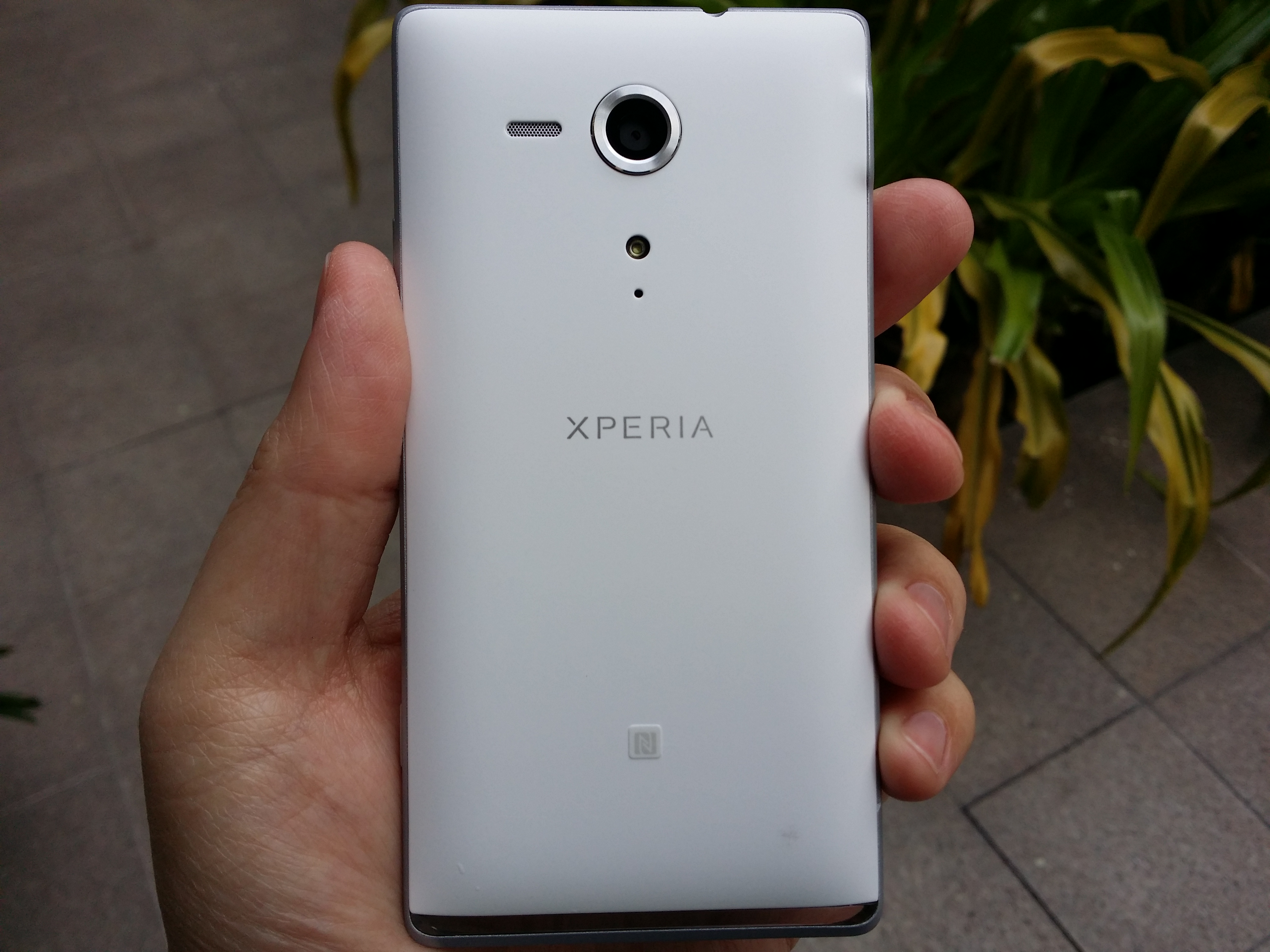 Why is Sony Xperia SP better than Sony Xperia V?