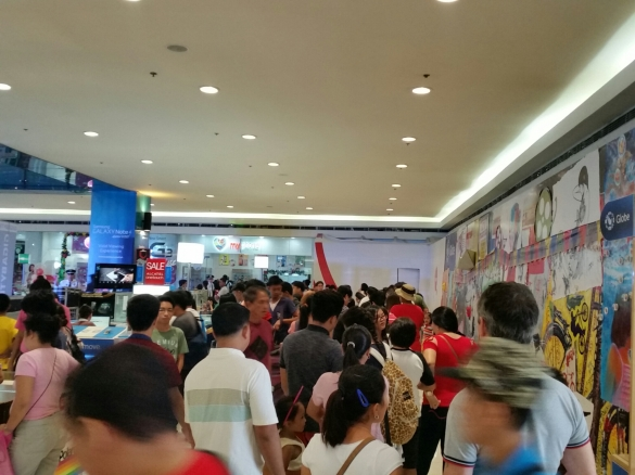 Long lines at the MyPhone store in SM North Edsa for the Rio Grande 1-day sale