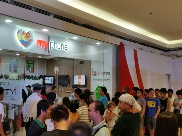People line up at the MyPhone store in SM North Edsa for the Rio Grande 1-day sale